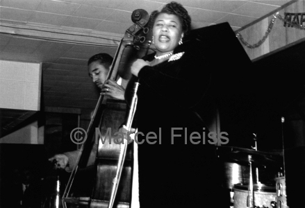 ray_brown_and_ella_fitzgerald_at_birdland_marcel_fleiss_small_ag